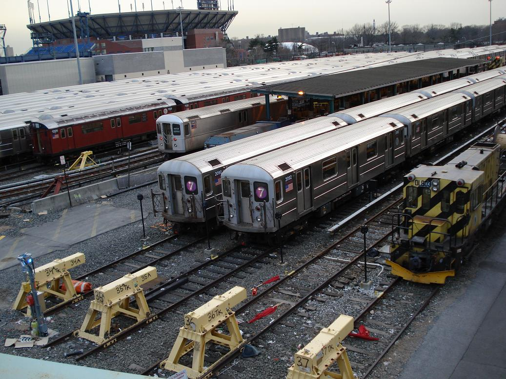 (201k, 1037x778)<br><b>Country:</b> United States<br><b>City:</b> New York<br><b>System:</b> New York City Transit<br><b>Location:</b> Corona Yard<br><b>Car:</b> R-62A (Bombardier, 1984-1987)  2090-2092 <br><b>Photo by:</b> Michael Hodurski<br><b>Date:</b> 1/21/2007<br><b>Viewed (this week/total):</b> 1 / 2037