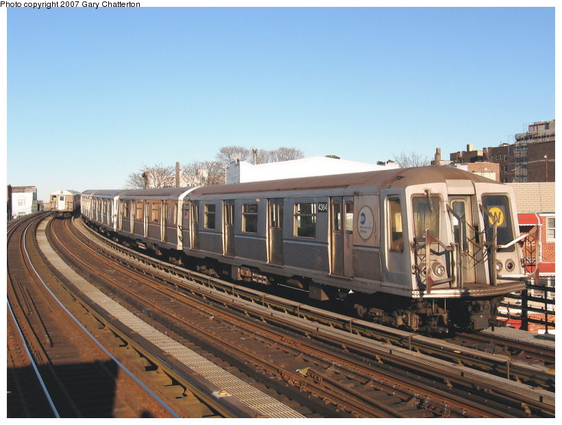 (117k, 820x620)<br><b>Country:</b> United States<br><b>City:</b> New York<br><b>System:</b> New York City Transit<br><b>Line:</b> BMT Astoria Line<br><b>Location:</b> 30th/Grand Aves. <br><b>Route:</b> W<br><b>Car:</b> R-40 (St. Louis, 1968)  4364 <br><b>Photo by:</b> Gary Chatterton<br><b>Date:</b> 1/17/2007<br><b>Viewed (this week/total):</b> 1 / 1106