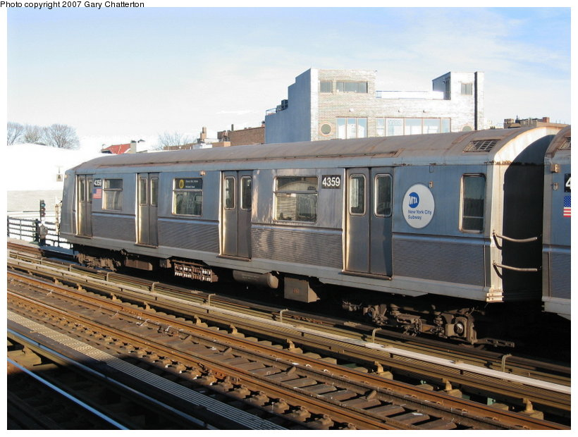 (120k, 820x620)<br><b>Country:</b> United States<br><b>City:</b> New York<br><b>System:</b> New York City Transit<br><b>Line:</b> BMT Astoria Line<br><b>Location:</b> 30th/Grand Aves. <br><b>Route:</b> W<br><b>Car:</b> R-40 (St. Louis, 1968)  4359 <br><b>Photo by:</b> Gary Chatterton<br><b>Date:</b> 11/21/2006<br><b>Viewed (this week/total):</b> 0 / 1197