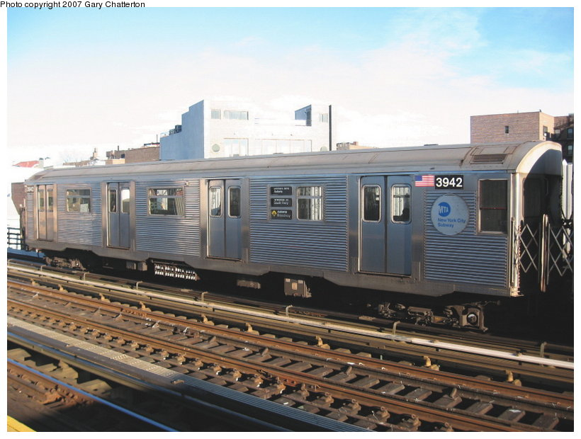(112k, 820x620)<br><b>Country:</b> United States<br><b>City:</b> New York<br><b>System:</b> New York City Transit<br><b>Line:</b> BMT Astoria Line<br><b>Location:</b> 30th/Grand Aves. <br><b>Route:</b> W<br><b>Car:</b> R-32 (Budd, 1964)  3942 <br><b>Photo by:</b> Gary Chatterton<br><b>Date:</b> 11/21/2006<br><b>Viewed (this week/total):</b> 3 / 1614