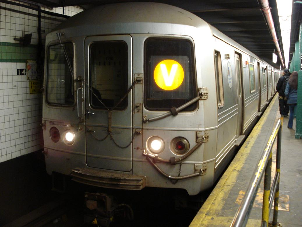 (112k, 1037x778)<br><b>Country:</b> United States<br><b>City:</b> New York<br><b>System:</b> New York City Transit<br><b>Line:</b> IND 6th Avenue Line<br><b>Location:</b> 14th Street <br><b>Route:</b> V<br><b>Car:</b> R-46 (Pullman-Standard, 1974-75) 6190 <br><b>Photo by:</b> Michael Hodurski<br><b>Date:</b> 1/23/2007<br><b>Viewed (this week/total):</b> 1 / 2710