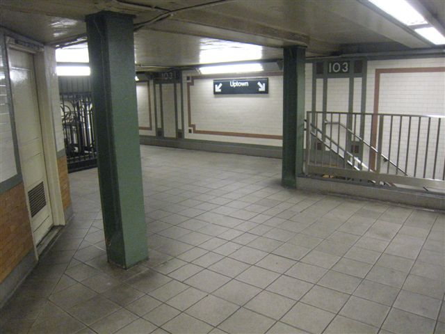(52k, 640x480)<br><b>Country:</b> United States<br><b>City:</b> New York<br><b>System:</b> New York City Transit<br><b>Line:</b> IRT West Side Line<br><b>Location:</b> 103rd Street <br><b>Photo by:</b> David Blair<br><b>Date:</b> 4/1/2008<br><b>Viewed (this week/total):</b> 1 / 773