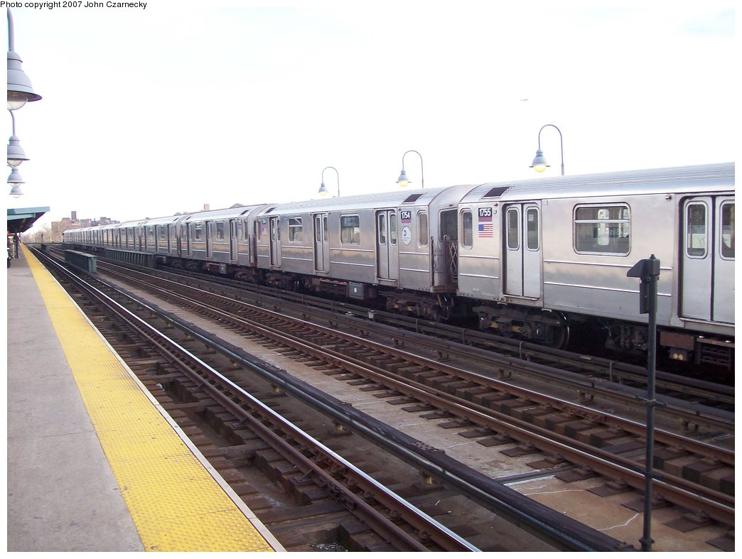 (149k, 1044x787)<br><b>Country:</b> United States<br><b>City:</b> New York<br><b>System:</b> New York City Transit<br><b>Line:</b> IRT Flushing Line<br><b>Location:</b> 46th Street/Bliss Street <br><b>Route:</b> 7<br><b>Car:</b> R-62A (Bombardier, 1984-1987)  1754 <br><b>Photo by:</b> John Czarnecky<br><b>Date:</b> 1/26/2007<br><b>Viewed (this week/total):</b> 2 / 1701
