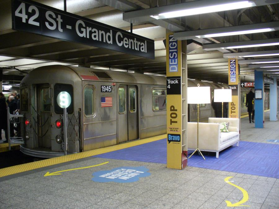 (119k, 900x675)<br><b>Country:</b> United States<br><b>City:</b> New York<br><b>System:</b> New York City Transit<br><b>Line:</b> IRT Times Square-Grand Central Shuttle<br><b>Location:</b> Grand Central <br><b>Route:</b> S<br><b>Car:</b> R-62A (Bombardier, 1984-1987)  1945 <br><b>Photo by:</b> Robbie Rosenfeld<br><b>Date:</b> 1/30/2007<br><b>Notes:</b> Bravo TV Top Design ad installation.<br><b>Viewed (this week/total):</b> 2 / 3466