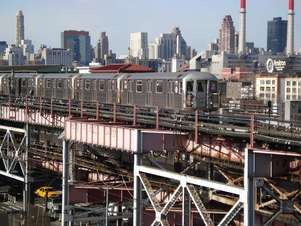 (192k, 1037x778)<br><b>Country:</b> United States<br><b>City:</b> New York<br><b>System:</b> New York City Transit<br><b>Line:</b> IRT Flushing Line<br><b>Location:</b> Queensborough Plaza <br><b>Route:</b> 7<br><b>Car:</b> R-62A (Bombardier, 1984-1987)  2146/2063 <br><b>Photo by:</b> Michael Hodurski<br><b>Date:</b> 1/26/2007<br><b>Viewed (this week/total):</b> 0 / 2720