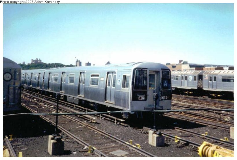 (86k, 820x556)<br><b>Country:</b> United States<br><b>City:</b> New York<br><b>System:</b> New York City Transit<br><b>Location:</b> 207th Street Yard<br><b>Car:</b> R-110B (Bombardier, 1992) 3009 <br><b>Photo by:</b> Adam Kaminsky<br><b>Date:</b> 8/24/2003<br><b>Viewed (this week/total):</b> 1 / 3510