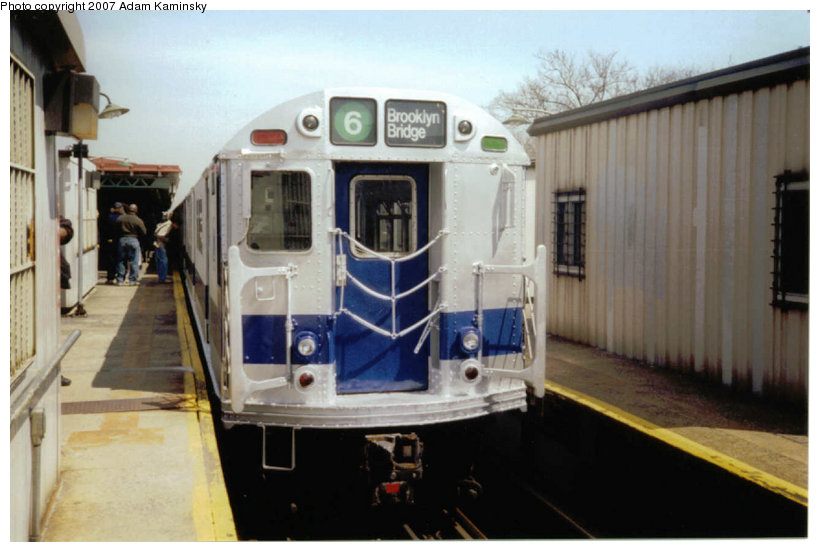(95k, 820x552)<br><b>Country:</b> United States<br><b>City:</b> New York<br><b>System:</b> New York City Transit<br><b>Line:</b> IRT Pelham Line<br><b>Location:</b> East 177th Street/Parkchester <br><b>Route:</b> Fan Trip<br><b>Car:</b> R-33 Main Line (St. Louis, 1962-63) 9010 <br><b>Photo by:</b> Adam Kaminsky<br><b>Date:</b> 4/17/2004<br><b>Viewed (this week/total):</b> 0 / 1890