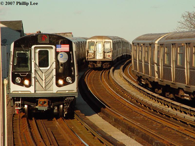 (109k, 800x600)<br><b>Country:</b> United States<br><b>City:</b> New York<br><b>System:</b> New York City Transit<br><b>Line:</b> BMT Astoria Line<br><b>Location:</b> 30th/Grand Aves. <br><b>Route:</b> N<br><b>Car:</b> R-160A/R-160B Series (Number Unknown)  <br><b>Photo by:</b> Phillip Lee<br><b>Date:</b> 2/7/2007<br><b>Viewed (this week/total):</b> 2 / 3268