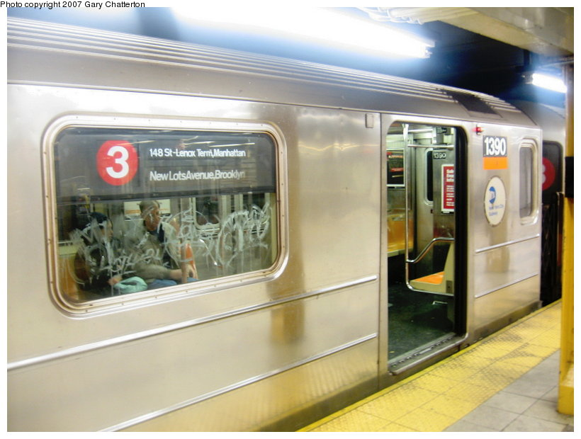 (98k, 820x620)<br><b>Country:</b> United States<br><b>City:</b> New York<br><b>System:</b> New York City Transit<br><b>Line:</b> IRT West Side Line<br><b>Location:</b> 34th Street/Penn Station <br><b>Route:</b> 3<br><b>Car:</b> R-62 (Kawasaki, 1983-1985)  1390 <br><b>Photo by:</b> Gary Chatterton<br><b>Date:</b> 1/28/2007<br><b>Viewed (this week/total):</b> 0 / 3704