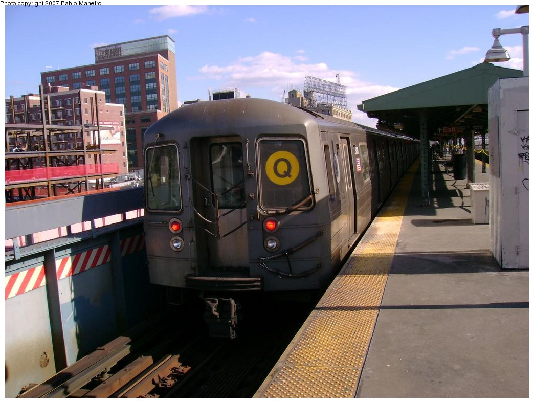 (175k, 1044x788)<br><b>Country:</b> United States<br><b>City:</b> New York<br><b>System:</b> New York City Transit<br><b>Line:</b> BMT Astoria Line<br><b>Location:</b> Queensborough Plaza <br><b>Route:</b> Q<br><b>Car:</b> R-68A (Kawasaki, 1988-1989)  5168 <br><b>Photo by:</b> Pablo Maneiro<br><b>Viewed (this week/total):</b> 2 / 1846