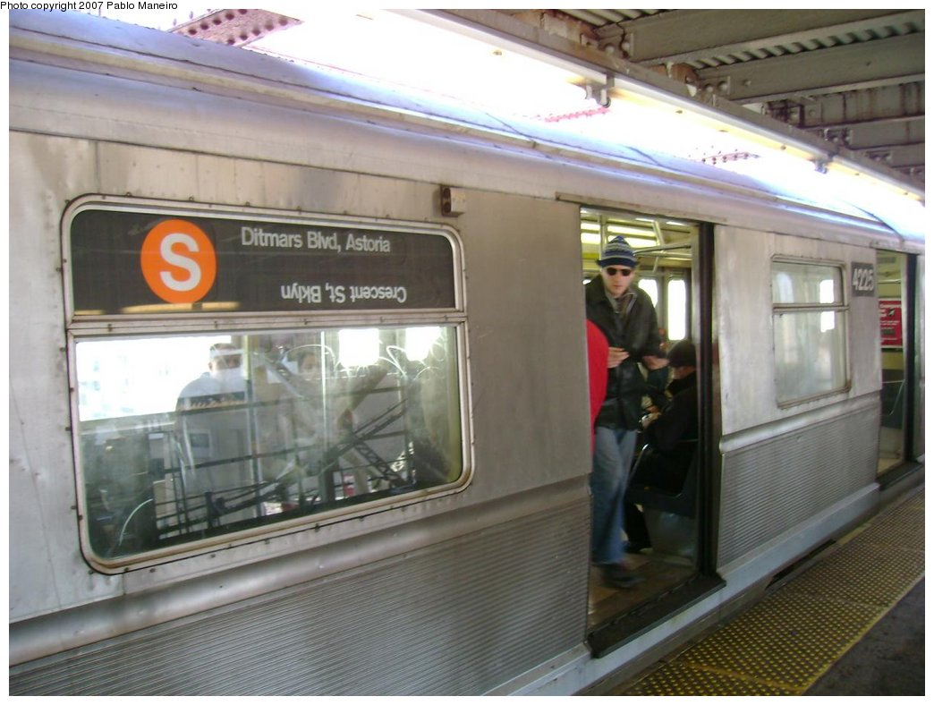 (160k, 1044x788)<br><b>Country:</b> United States<br><b>City:</b> New York<br><b>System:</b> New York City Transit<br><b>Line:</b> BMT Astoria Line<br><b>Location:</b> Queensborough Plaza <br><b>Route:</b> N<br><b>Car:</b> R-40 (St. Louis, 1968)  4225 <br><b>Photo by:</b> Pablo Maneiro<br><b>Notes:</b> Incorrectly set rollsign.<br><b>Viewed (this week/total):</b> 0 / 4018