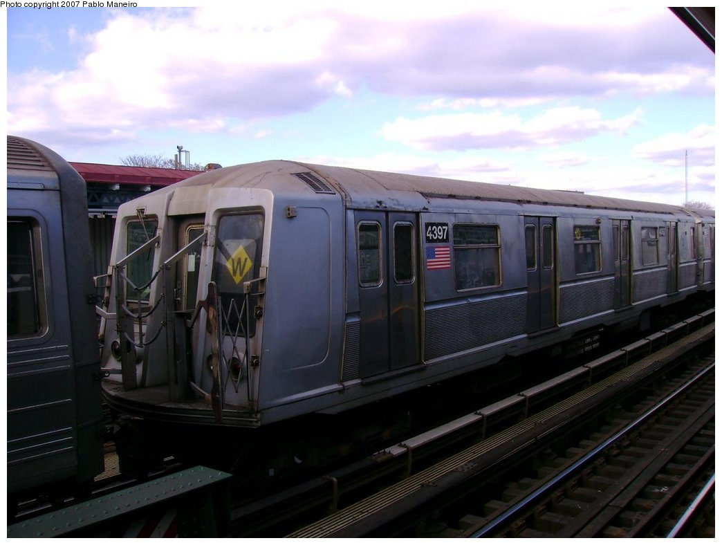(139k, 1044x788)<br><b>Country:</b> United States<br><b>City:</b> New York<br><b>System:</b> New York City Transit<br><b>Line:</b> BMT Astoria Line<br><b>Location:</b> 30th/Grand Aves. <br><b>Car:</b> R-40 (St. Louis, 1968)  4397 <br><b>Photo by:</b> Pablo Maneiro<br><b>Notes:</b> Lay-up on center track.<br><b>Viewed (this week/total):</b> 6 / 2228