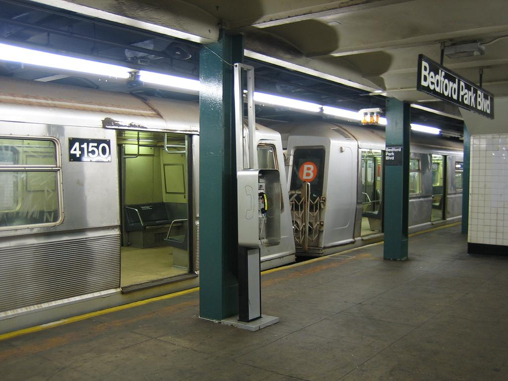 (112k, 1024x768)<br><b>Country:</b> United States<br><b>City:</b> New York<br><b>System:</b> New York City Transit<br><b>Line:</b> IND Concourse Line<br><b>Location:</b> Bedford Park Boulevard <br><b>Route:</b> B<br><b>Car:</b> R-40 (St. Louis, 1968)  4150 <br><b>Photo by:</b> Michael Hodurski<br><b>Date:</b> 8/16/2006<br><b>Viewed (this week/total):</b> 2 / 2301