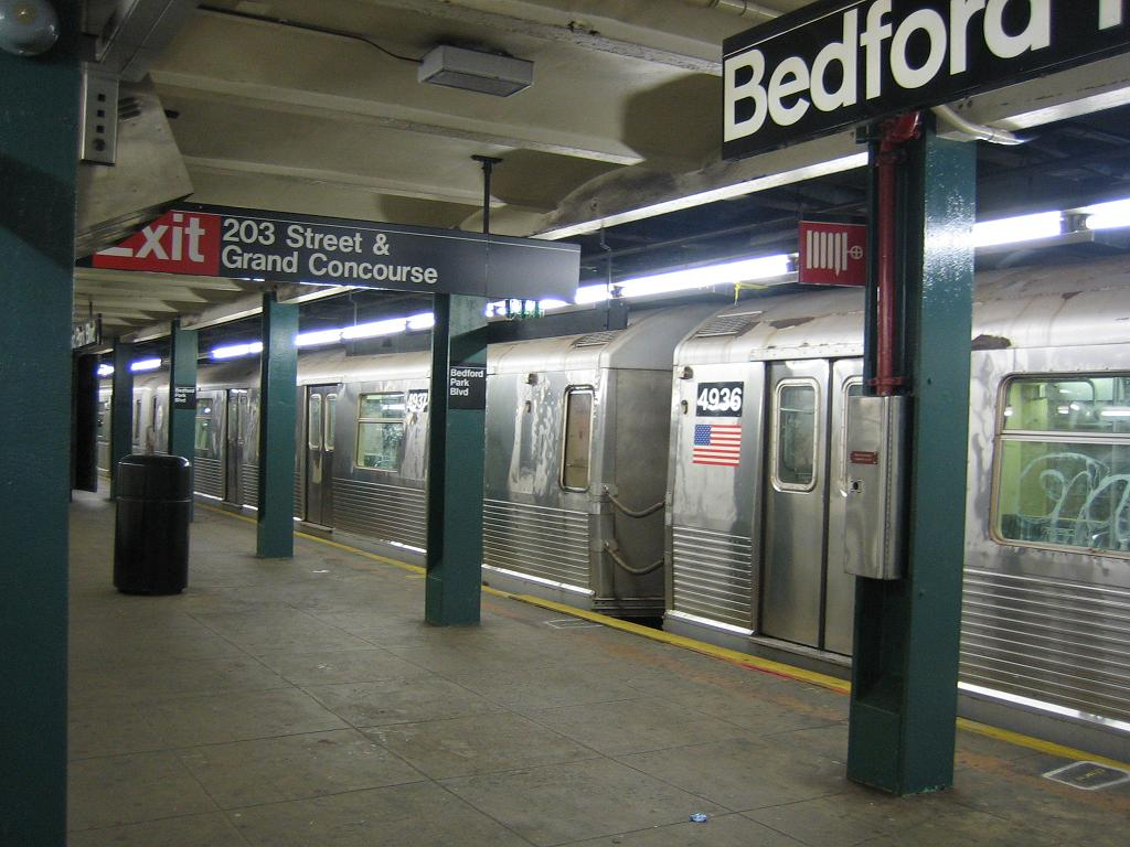 (120k, 1024x768)<br><b>Country:</b> United States<br><b>City:</b> New York<br><b>System:</b> New York City Transit<br><b>Line:</b> IND Concourse Line<br><b>Location:</b> Bedford Park Boulevard <br><b>Route:</b> B<br><b>Car:</b> R-42 (St. Louis, 1969-1970)  4937/4936 <br><b>Photo by:</b> Michael Hodurski<br><b>Date:</b> 8/23/2006<br><b>Viewed (this week/total):</b> 4 / 2559