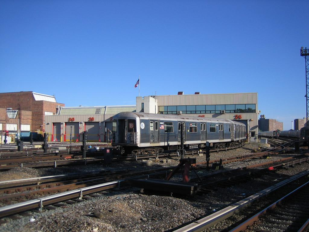 (132k, 1024x768)<br><b>Country:</b> United States<br><b>City:</b> New York<br><b>System:</b> New York City Transit<br><b>Location:</b> Coney Island Yard<br><b>Car:</b> R-42 (St. Louis, 1969-1970)  4942 <br><b>Photo by:</b> Michael Hodurski<br><b>Date:</b> 6/11/2006<br><b>Viewed (this week/total):</b> 3 / 1934