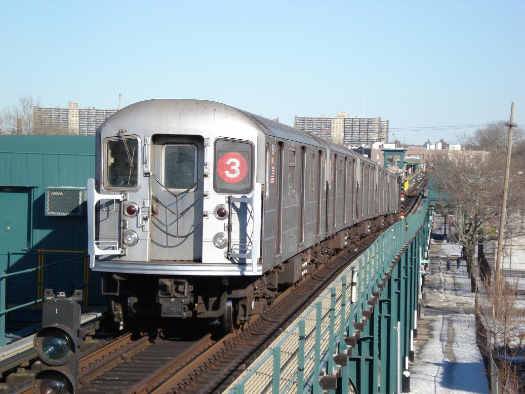 (138k, 1037x778)<br><b>Country:</b> United States<br><b>City:</b> New York<br><b>System:</b> New York City Transit<br><b>Line:</b> IRT Brooklyn Line<br><b>Location:</b> Van Siclen Avenue <br><b>Route:</b> 3<br><b>Car:</b> R-62 (Kawasaki, 1983-1985)  1530 <br><b>Photo by:</b> Michael Hodurski<br><b>Date:</b> 2/19/2007<br><b>Viewed (this week/total):</b> 1 / 1899