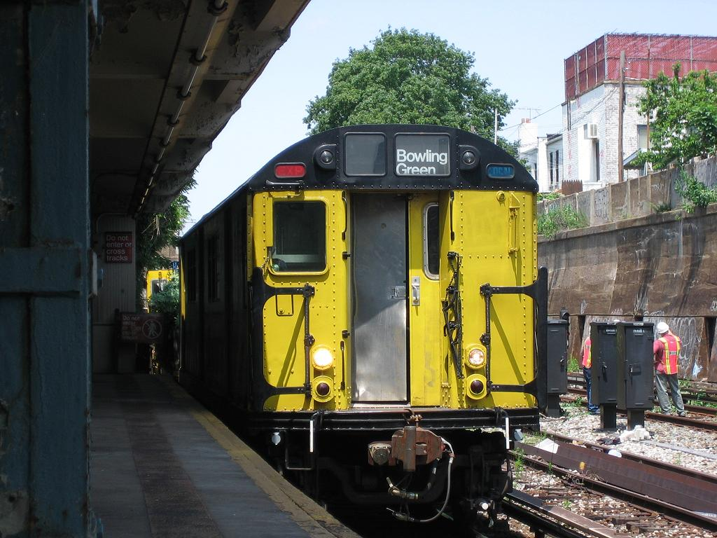 (146k, 1024x768)<br><b>Country:</b> United States<br><b>City:</b> New York<br><b>System:</b> New York City Transit<br><b>Line:</b> BMT Sea Beach Line<br><b>Location:</b> 20th Avenue <br><b>Route:</b> Work Service<br><b>Car:</b> R-161 Rider Car (ex-R-33)  RD407 (ex-8869)<br><b>Photo by:</b> Michael Hodurski<br><b>Date:</b> 7/6/2006<br><b>Viewed (this week/total):</b> 0 / 1661