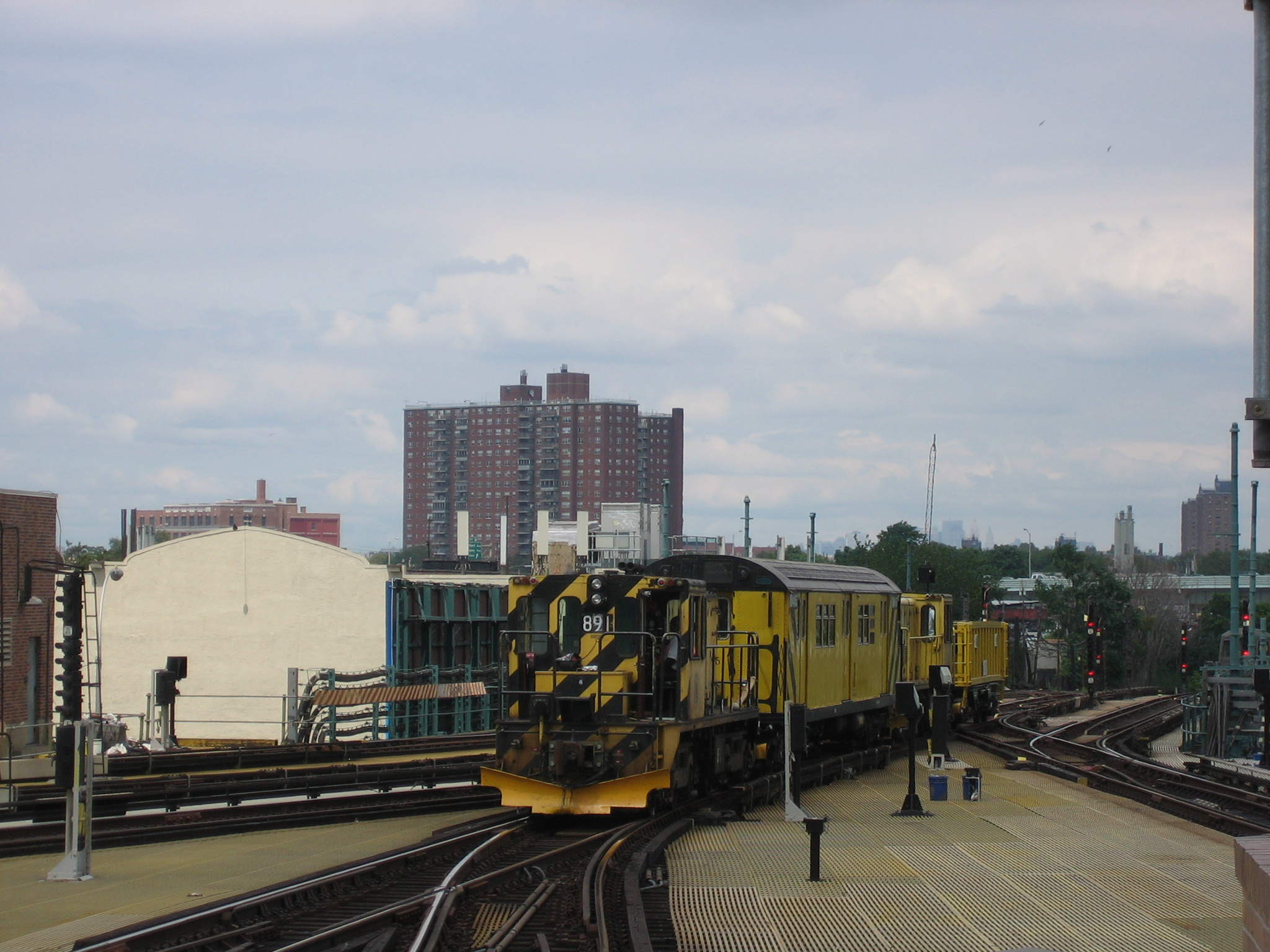(746k, 2048x1536)<br><b>Country:</b> United States<br><b>City:</b> New York<br><b>System:</b> New York City Transit<br><b>Location:</b> Coney Island/Stillwell Avenue<br><b>Route:</b> Work Service<br><b>Car:</b> R-77 Locomotive  891 <br><b>Photo by:</b> Michael Hodurski<br><b>Date:</b> 8/4/2006<br><b>Viewed (this week/total):</b> 0 / 1502