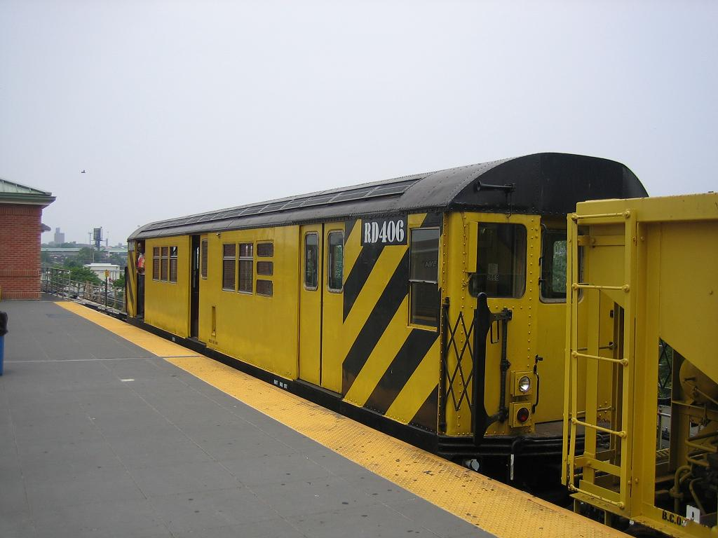 (89k, 1024x768)<br><b>Country:</b> United States<br><b>City:</b> New York<br><b>System:</b> New York City Transit<br><b>Location:</b> Coney Island/Stillwell Avenue<br><b>Route:</b> Work Service<br><b>Car:</b> R-161 Rider Car (ex-R-33)  RD406 (ex-8868)<br><b>Photo by:</b> Michael Hodurski<br><b>Date:</b> 7/12/2006<br><b>Viewed (this week/total):</b> 0 / 1051
