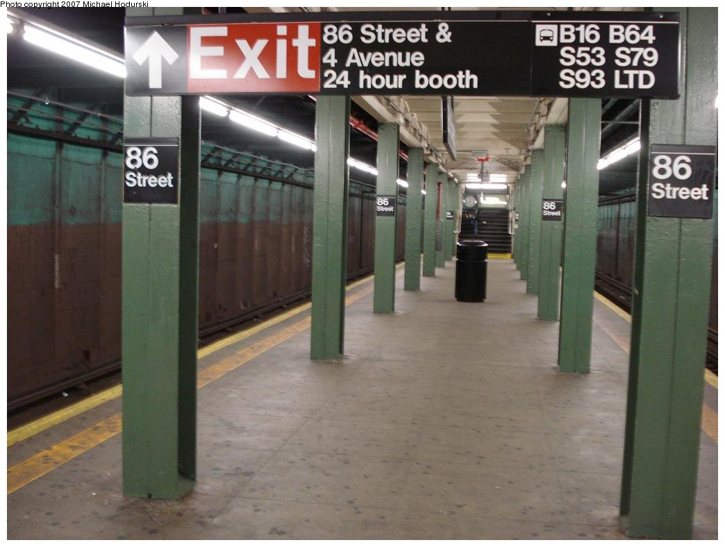 (151k, 1044x788)<br><b>Country:</b> United States<br><b>City:</b> New York<br><b>System:</b> New York City Transit<br><b>Line:</b> BMT 4th Avenue<br><b>Location:</b> 86th Street <br><b>Photo by:</b> Michael Hodurski<br><b>Date:</b> 2/21/2007<br><b>Notes:</b> Platform view.<br><b>Viewed (this week/total):</b> 6 / 2194