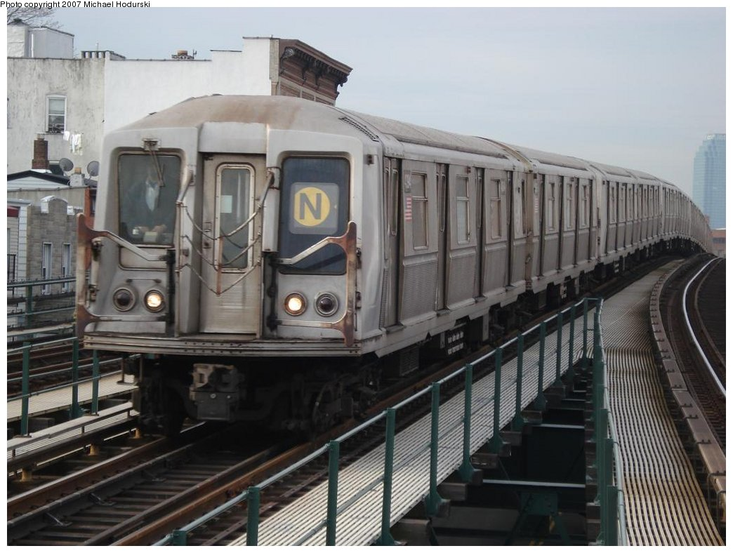 (167k, 1044x788)<br><b>Country:</b> United States<br><b>City:</b> New York<br><b>System:</b> New York City Transit<br><b>Line:</b> BMT Astoria Line<br><b>Location:</b> Astoria Boulevard/Hoyt Avenue <br><b>Route:</b> N<br><b>Car:</b> R-40 (St. Louis, 1968)  4394 <br><b>Photo by:</b> Michael Hodurski<br><b>Date:</b> 2/22/2007<br><b>Viewed (this week/total):</b> 0 / 2297