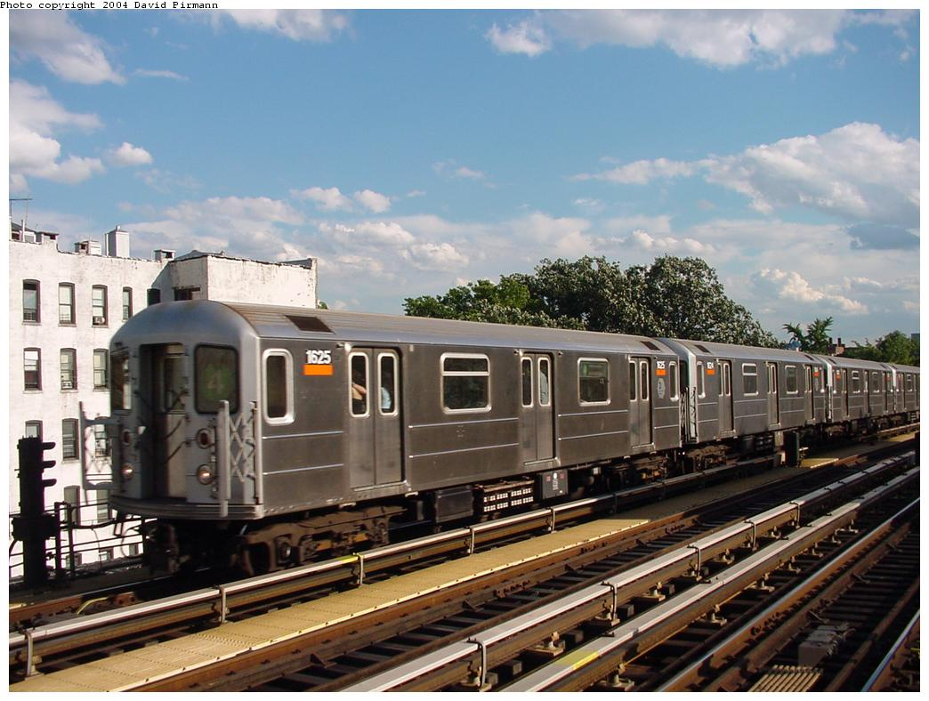 (130k, 1044x788)<br><b>Country:</b> United States<br><b>City:</b> New York<br><b>System:</b> New York City Transit<br><b>Line:</b> IRT Woodlawn Line<br><b>Location:</b> Kingsbridge Road <br><b>Route:</b> 4<br><b>Car:</b> R-62A (Bombardier, 1984-1987)  1625 <br><b>Photo by:</b> David Pirmann<br><b>Date:</b> 7/12/2001<br><b>Viewed (this week/total):</b> 2 / 3542