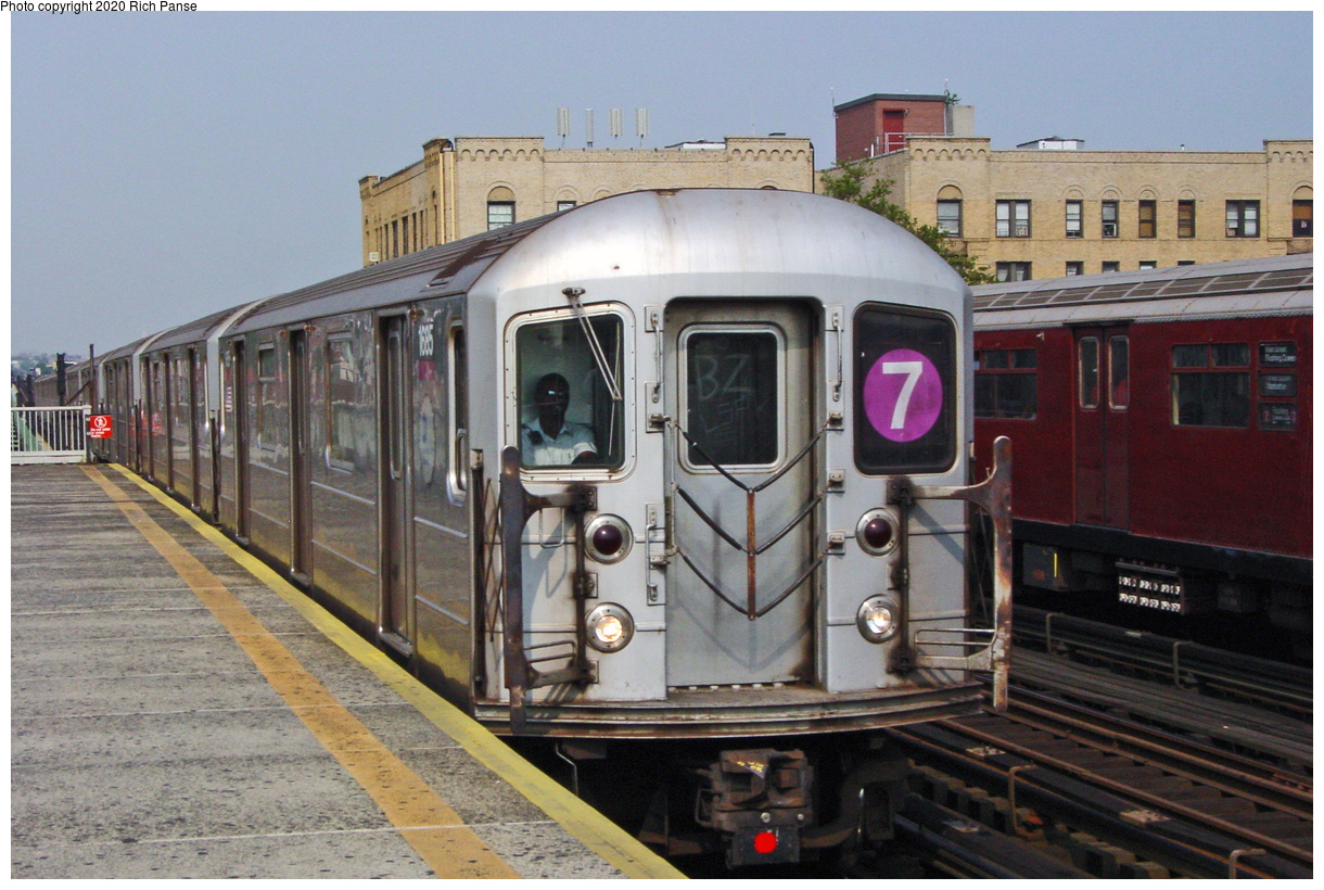 (64k, 820x620)<br><b>Country:</b> United States<br><b>City:</b> New York<br><b>System:</b> New York City Transit<br><b>Line:</b> IRT Flushing Line<br><b>Location:</b> 90th Street/Elmhurst Avenue <br><b>Route:</b> 7<br><b>Car:</b> R-62A (Bombardier, 1984-1987)  1685 <br><b>Photo by:</b> Richard Panse<br><b>Date:</b> 7/18/2002<br><b>Viewed (this week/total):</b> 3 / 3166