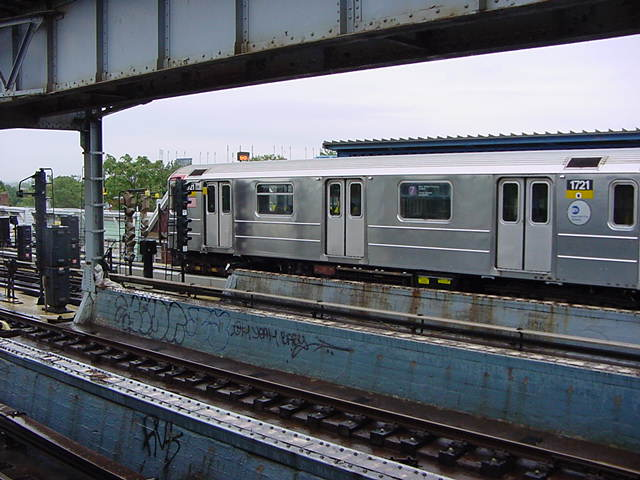 (59k, 640x480)<br><b>Country:</b> United States<br><b>City:</b> New York<br><b>System:</b> New York City Transit<br><b>Line:</b> IRT Flushing Line<br><b>Location:</b> 111th Street <br><b>Route:</b> 7<br><b>Car:</b> R-62A (Bombardier, 1984-1987)  1721 <br><b>Photo by:</b> Salaam Allah<br><b>Date:</b> 9/26/2002<br><b>Viewed (this week/total):</b> 2 / 4956