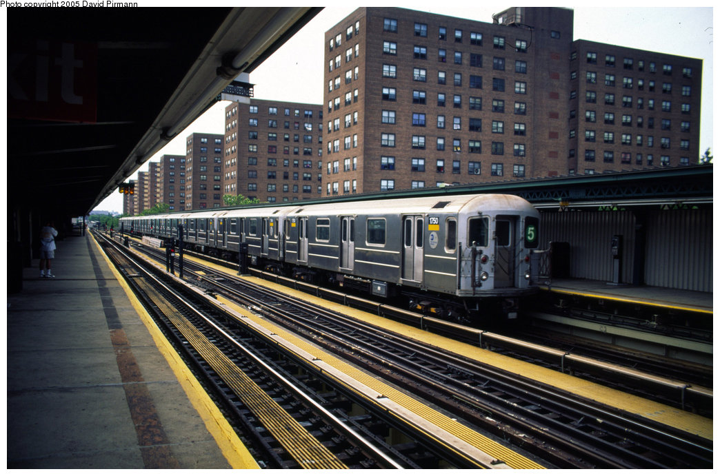 (223k, 1044x691)<br><b>Country:</b> United States<br><b>City:</b> New York<br><b>System:</b> New York City Transit<br><b>Line:</b> IRT Brooklyn Line<br><b>Location:</b> Junius Street <br><b>Car:</b> R-62A (Bombardier, 1984-1987)  1750 <br><b>Photo by:</b> David Pirmann<br><b>Date:</b> 7/21/1999<br><b>Notes:</b> Light move from yard<br><b>Viewed (this week/total):</b> 10 / 4553