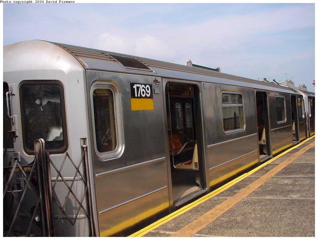 (109k, 1044x788)<br><b>Country:</b> United States<br><b>City:</b> New York<br><b>System:</b> New York City Transit<br><b>Line:</b> IRT Pelham Line<br><b>Location:</b> Whitlock Avenue <br><b>Route:</b> 6<br><b>Car:</b> R-62A (Bombardier, 1984-1987)  1769 <br><b>Photo by:</b> David Pirmann<br><b>Date:</b> 7/4/2001<br><b>Viewed (this week/total):</b> 1 / 3679
