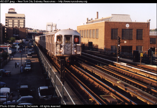 (144k, 640x440)<br><b>Country:</b> United States<br><b>City:</b> New York<br><b>System:</b> New York City Transit<br><b>Line:</b> IRT West Side Line<br><b>Location:</b> 207th Street <br><b>Route:</b> 1<br><b>Car:</b> R-62A (Bombardier, 1984-1987)   <br><b>Photo by:</b> Jason R. DeCesare<br><b>Date:</b> 7/10/1998<br><b>Viewed (this week/total):</b> 3 / 3995