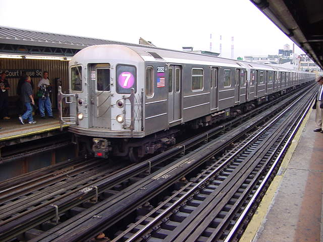 (60k, 640x480)<br><b>Country:</b> United States<br><b>City:</b> New York<br><b>System:</b> New York City Transit<br><b>Line:</b> IRT Flushing Line<br><b>Location:</b> Court House Square/45th Road <br><b>Route:</b> 7<br><b>Car:</b> R-62A (Bombardier, 1984-1987)  2092 <br><b>Photo by:</b> Salaam Allah<br><b>Date:</b> 9/27/2002<br><b>Viewed (this week/total):</b> 2 / 2745