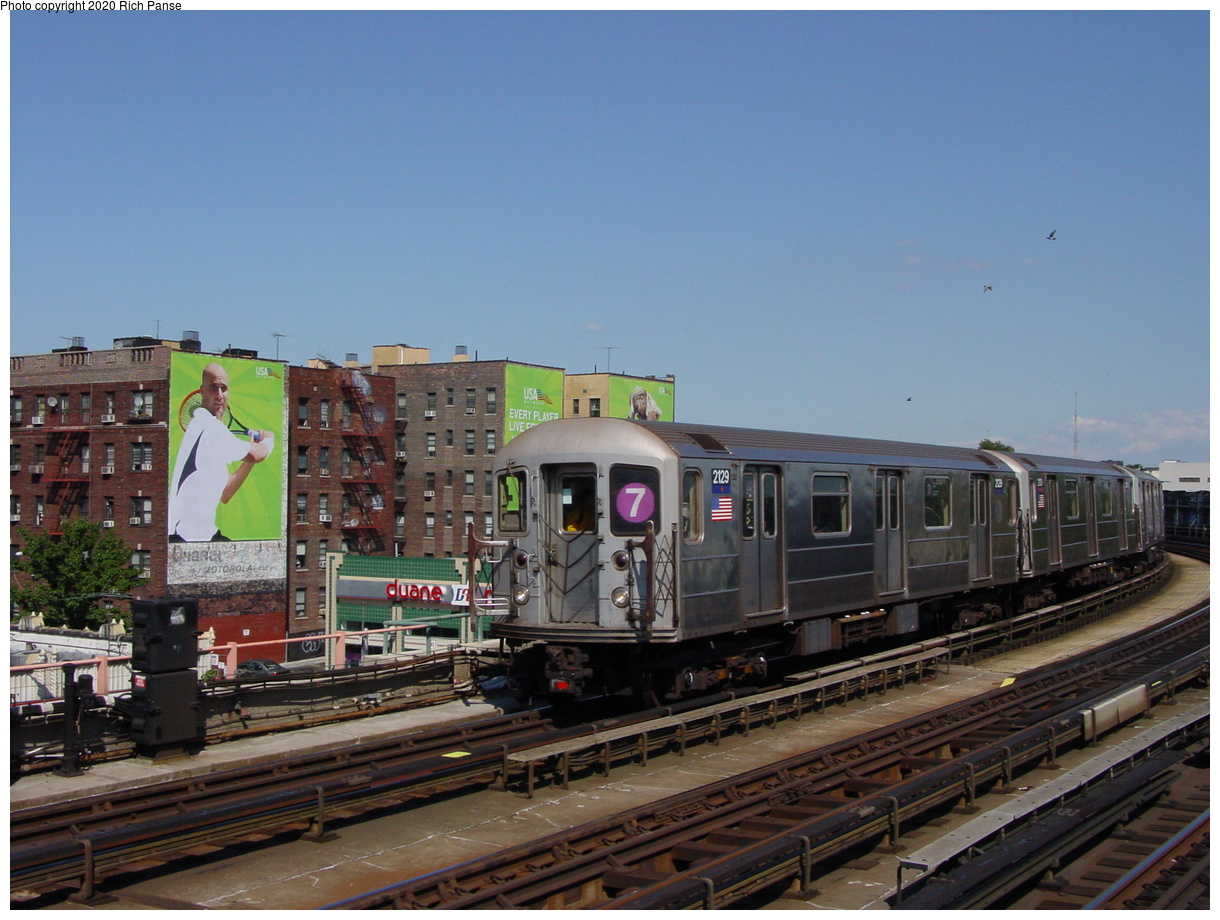(73k, 820x620)<br><b>Country:</b> United States<br><b>City:</b> New York<br><b>System:</b> New York City Transit<br><b>Line:</b> IRT Flushing Line<br><b>Location:</b> 46th Street/Bliss Street <br><b>Route:</b> 7<br><b>Car:</b> R-62A (Bombardier, 1984-1987)  2129 <br><b>Photo by:</b> Richard Panse<br><b>Date:</b> 8/21/2002<br><b>Viewed (this week/total):</b> 2 / 3302