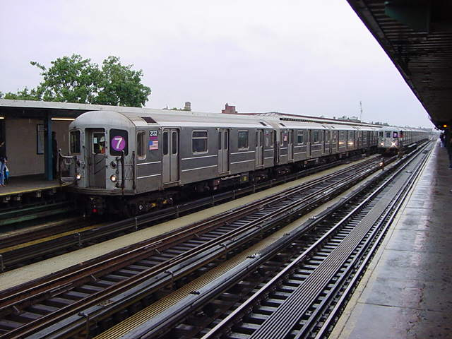 (60k, 640x480)<br><b>Country:</b> United States<br><b>City:</b> New York<br><b>System:</b> New York City Transit<br><b>Line:</b> IRT Flushing Line<br><b>Location:</b> 74th Street/Broadway <br><b>Route:</b> 7<br><b>Car:</b> R-62A (Bombardier, 1984-1987)  2132 <br><b>Photo by:</b> Salaam Allah<br><b>Date:</b> 9/26/2002<br><b>Viewed (this week/total):</b> 4 / 2090
