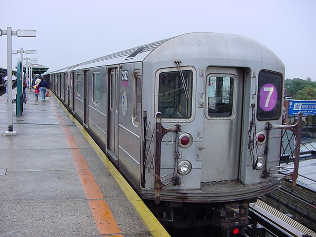 (61k, 640x480)<br><b>Country:</b> United States<br><b>City:</b> New York<br><b>System:</b> New York City Transit<br><b>Line:</b> IRT Flushing Line<br><b>Location:</b> Junction Boulevard <br><b>Car:</b> R-62A (Bombardier, 1984-1987)  2132 <br><b>Photo by:</b> Salaam Allah<br><b>Date:</b> 9/26/2002<br><b>Viewed (this week/total):</b> 0 / 3779