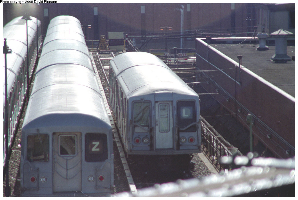 (181k, 1044x699)<br><b>Country:</b> United States<br><b>City:</b> New York<br><b>System:</b> New York City Transit<br><b>Location:</b> East New York Yard/Shops<br><b>Photo by:</b> David Pirmann<br><b>Date:</b> 10/11/1996<br><b>Notes:</b> Two-car lashup of R40 cars<br><b>Viewed (this week/total):</b> 0 / 3839