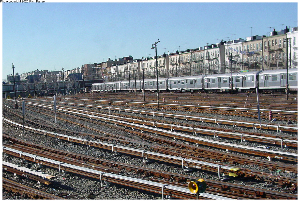 (128k, 820x620)<br><b>Country:</b> United States<br><b>City:</b> New York<br><b>System:</b> New York City Transit<br><b>Location:</b> Fresh Pond Yard<br><b>Photo by:</b> Richard Panse<br><b>Date:</b> 1/25/2002<br><b>Viewed (this week/total):</b> 2 / 6706
