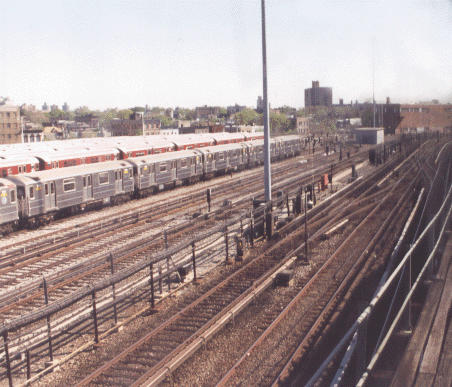 (42k, 452x387)<br><b>Country:</b> United States<br><b>City:</b> New York<br><b>System:</b> New York City Transit<br><b>Location:</b> Unionport Yard<br><b>Photo by:</b> Peter Dougherty<br><b>Date:</b> 1998<br><b>Viewed (this week/total):</b> 0 / 2885