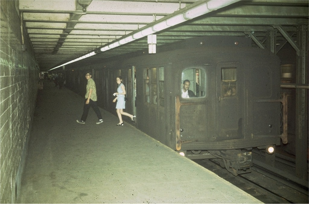 (168k, 1024x675)<br><b>Country:</b> United States<br><b>City:</b> New York<br><b>System:</b> New York City Transit<br><b>Line:</b> BMT Canarsie Line<br><b>Location:</b> 1st Avenue <br><b>Route:</b> L<br><b>Car:</b> BMT A/B-Type Standard  <br><b>Collection of:</b> Joe Testagrose<br><b>Viewed (this week/total):</b> 0 / 5419