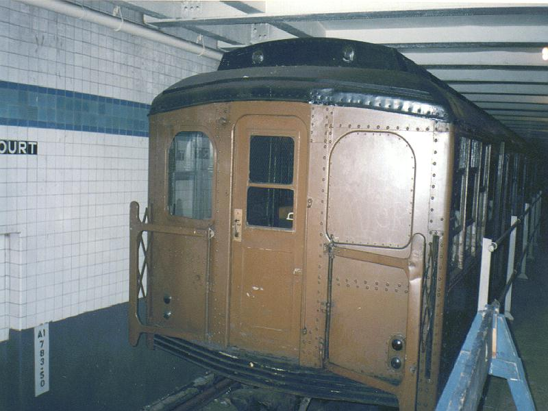 (78k, 800x600)<br><b>Country:</b> United States<br><b>City:</b> New York<br><b>System:</b> New York City Transit<br><b>Location:</b> New York Transit Museum<br><b>Car:</b> BMT A/B-Type Standard 2204 <br><b>Photo by:</b> Constantine Steffan<br><b>Date:</b> 3/1995<br><b>Viewed (this week/total):</b> 2 / 5817