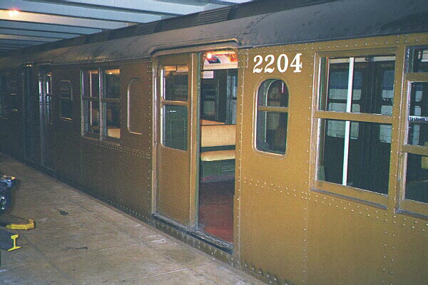 (110k, 600x400)<br><b>Country:</b> United States<br><b>City:</b> New York<br><b>System:</b> New York City Transit<br><b>Location:</b> New York Transit Museum<br><b>Car:</b> BMT A/B-Type Standard 2204 <br><b>Photo by:</b> Sidney Keyles<br><b>Date:</b> 5/23/1999<br><b>Viewed (this week/total):</b> 2 / 6510