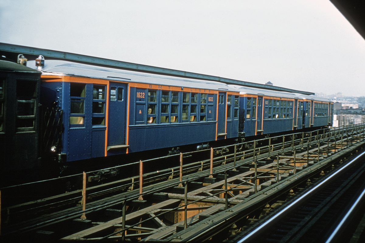 (197k, 1024x692)<br><b>Country:</b> United States<br><b>City:</b> New York<br><b>System:</b> New York City Transit<br><b>Line:</b> BMT Myrtle Avenue Line<br><b>Location:</b> Central Avenue <br><b>Route:</b> Fan Trip<br><b>Car:</b> BMT Q 1622 <br><b>Photo by:</b> Joe Testagrose<br><b>Date:</b> 9/20/1965<br><b>Viewed (this week/total):</b> 4 / 3580