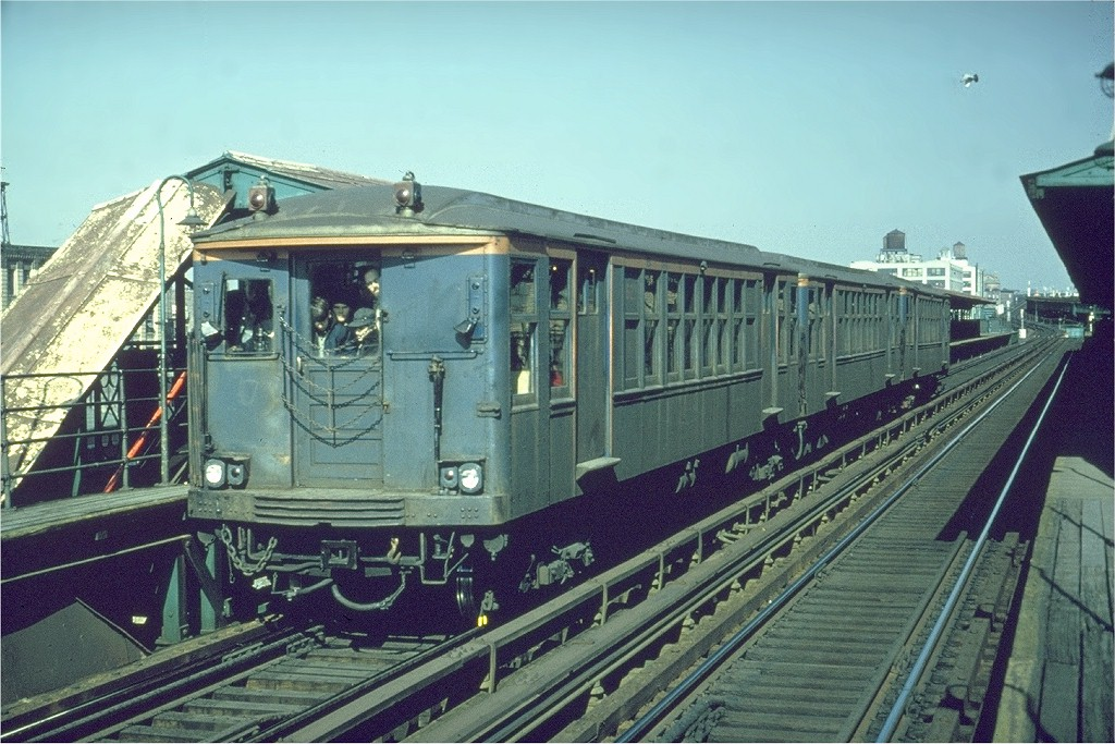 (224k, 1024x683)<br><b>Country:</b> United States<br><b>City:</b> New York<br><b>System:</b> New York City Transit<br><b>Line:</b> BMT Canarsie Line<br><b>Location:</b> Sutter Avenue <br><b>Route:</b> Fan Trip<br><b>Car:</b> BMT Q 1622 <br><b>Photo by:</b> Gerald H. Landau<br><b>Collection of:</b> Joe Testagrose<br><b>Date:</b> 2/22/1968<br><b>Viewed (this week/total):</b> 2 / 2493
