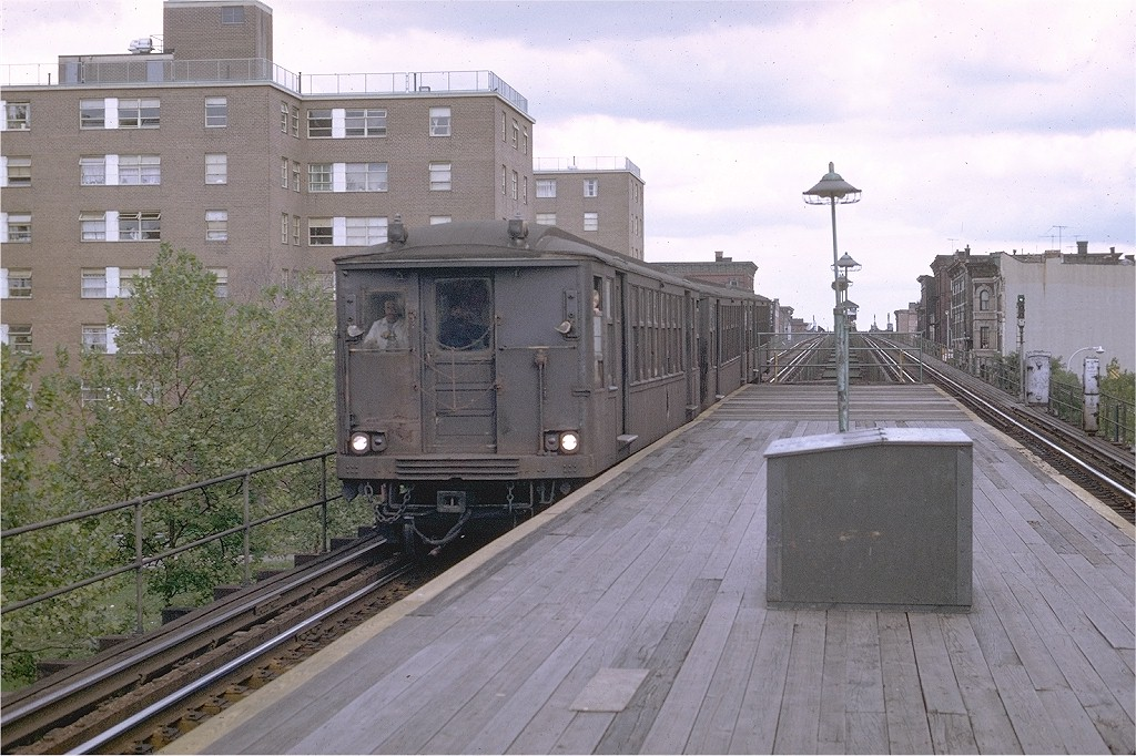 (221k, 1024x682)<br><b>Country:</b> United States<br><b>City:</b> New York<br><b>System:</b> New York City Transit<br><b>Line:</b> BMT Myrtle Avenue Line<br><b>Location:</b> Sumner Avenue <br><b>Route:</b> Myrtle Ave El<br><b>Car:</b> BMT Q  <br><b>Photo by:</b> Joe Testagrose<br><b>Date:</b> 9/20/1969<br><b>Viewed (this week/total):</b> 2 / 5986
