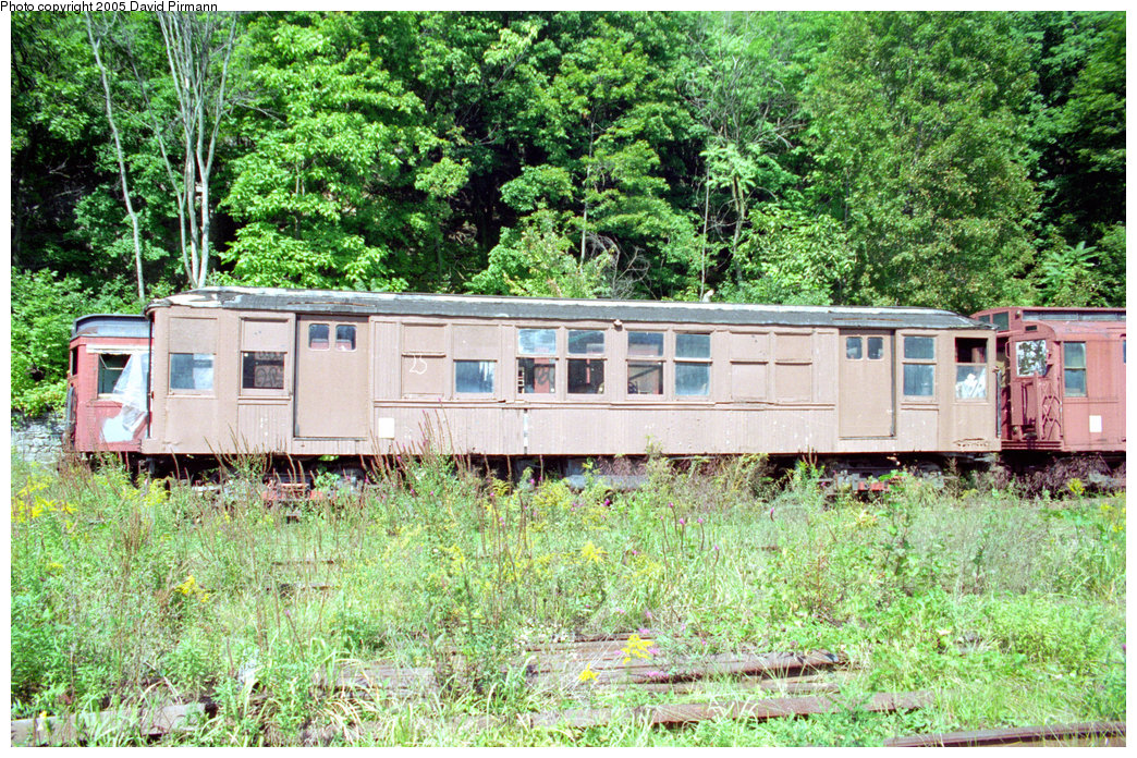 (407k, 1044x696)<br><b>Country:</b> United States<br><b>City:</b> Kingston, NY<br><b>System:</b> Trolley Museum of New York <br><b>Car:</b> BMT Q 1602 <br><b>Photo by:</b> David Pirmann<br><b>Date:</b> 8/1996<br><b>Viewed (this week/total):</b> 9 / 7711