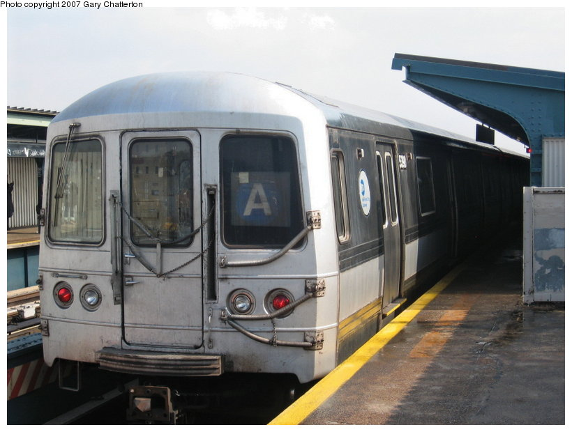 (95k, 820x620)<br><b>Country:</b> United States<br><b>City:</b> New York<br><b>System:</b> New York City Transit<br><b>Line:</b> IND Fulton Street Line<br><b>Location:</b> 80th Street/Hudson Street <br><b>Route:</b> A<br><b>Car:</b> R-44 (St. Louis, 1971-73) 5390 <br><b>Photo by:</b> Gary Chatterton<br><b>Date:</b> 2/27/2007<br><b>Viewed (this week/total):</b> 0 / 1516