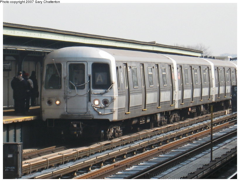 (108k, 820x620)<br><b>Country:</b> United States<br><b>City:</b> New York<br><b>System:</b> New York City Transit<br><b>Line:</b> IND Fulton Street Line<br><b>Location:</b> 80th Street/Hudson Street <br><b>Route:</b> A<br><b>Car:</b> R-44 (St. Louis, 1971-73) 5276 <br><b>Photo by:</b> Gary Chatterton<br><b>Date:</b> 2/27/2007<br><b>Viewed (this week/total):</b> 2 / 1465