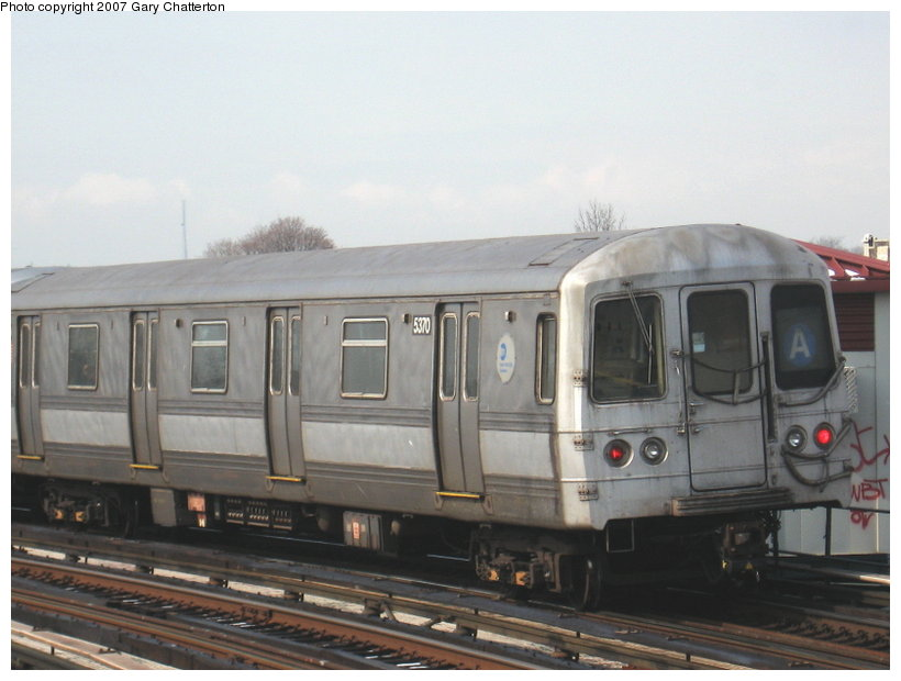 (85k, 820x620)<br><b>Country:</b> United States<br><b>City:</b> New York<br><b>System:</b> New York City Transit<br><b>Line:</b> IND Fulton Street Line<br><b>Location:</b> 80th Street/Hudson Street <br><b>Route:</b> A<br><b>Car:</b> R-44 (St. Louis, 1971-73) 5370 <br><b>Photo by:</b> Gary Chatterton<br><b>Date:</b> 2/27/2007<br><b>Viewed (this week/total):</b> 1 / 1346