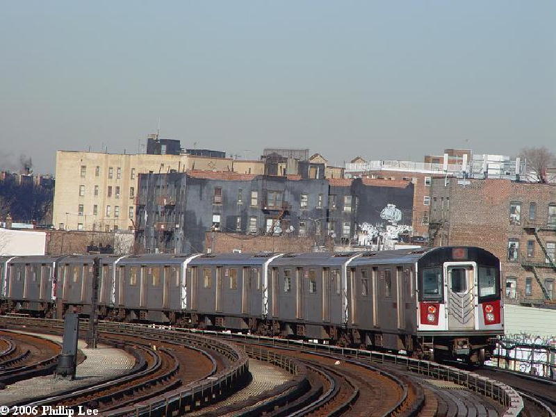 (96k, 800x600)<br><b>Country:</b> United States<br><b>City:</b> New York<br><b>System:</b> New York City Transit<br><b>Line:</b> IRT Woodlawn Line<br><b>Location:</b> Bedford Park Boulevard <br><b>Route:</b> 4<br><b>Car:</b> R-142 or R-142A (Number Unknown)  <br><b>Photo by:</b> Phillip Lee<br><b>Date:</b> 2/15/2006<br><b>Viewed (this week/total):</b> 3 / 1854