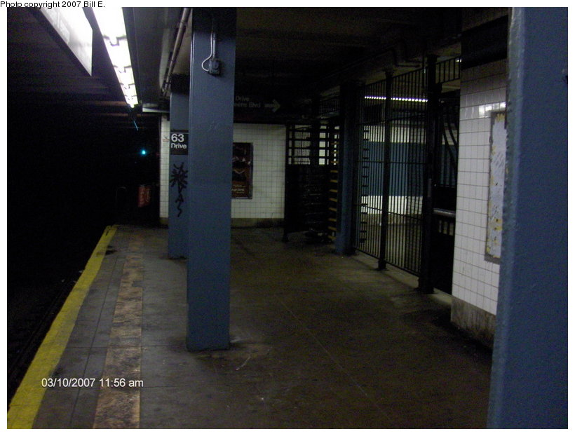 (96k, 820x622)<br><b>Country:</b> United States<br><b>City:</b> New York<br><b>System:</b> New York City Transit<br><b>Line:</b> IND Queens Boulevard Line<br><b>Location:</b> 63rd Drive/Rego Park <br><b>Photo by:</b> Bill E.<br><b>Date:</b> 3/10/2007<br><b>Notes:</b> 63rd Drive exit only gate.<br><b>Viewed (this week/total):</b> 4 / 1427
